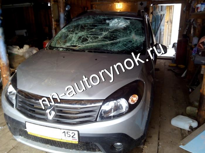 df0a670753866 Renault Сандеро степвей битая, 2014. Цена 200000 руб.